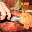 Carving the thanksgiving turkey - Foto Stock