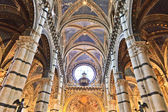 Siena, Tuscany - Interior of dome (Duomo di Siena) — Stock Photo