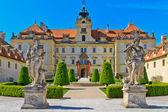 Palais de valtice, site du patrimoine mondial de l'unesco, république tchèque — Photo