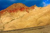 Mountain desert landscape in Death Valley National Park, Califor — Stock Photo