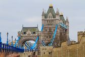 Tower Bridge side view on rainy day, London, UK — Foto Stock