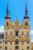 Jihlava (Iglau) Main (Masaryk) Square with Saint Ignatius Church — Stock Photo