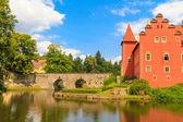 Red water chateau Cervena Lhota in Southern Bohemia, Czech Repub — Stock Photo