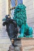Socha bavorského lva před mnichovské residenz, Bavorsko, germa — Stock fotografie