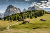 Wooden houses in mountains — Stock Photo