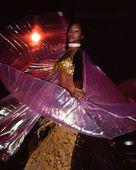 Latina Street Dancer Wearing Isis Wings Costume, Havana, Cuba — Stock Photo