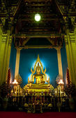 Phra Buddha Chinnarat — Photo