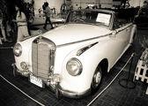 Mercedes-benz 300b kabriolet — Zdjęcie stockowe