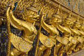 Golden garuda — Stockfoto