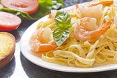 Shrimp Fettuccini Alfredo — Stock Photo