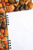 Empty notebook and colorful autumn — Stockfoto
