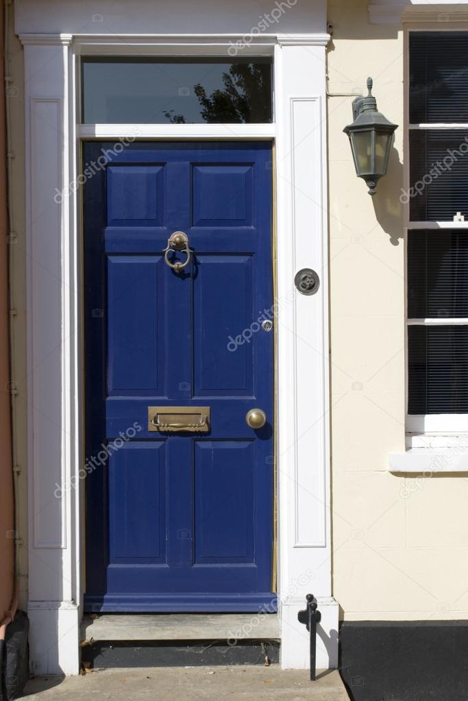 Puertas azules antigua casa victoriana fotos de stock for Puertas blindadas antigua casa gutierrez