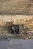 Old bicycle, Cambridge — Stock Photo