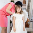 Mom and daughter are preparing for the holiday — Stock Photo