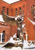 Arcangelo Michele e la Chiesa di San simon e San alena — Foto Stock
