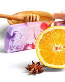 Wellness instelling met natuurlijke zeep en zeezout — Stockfoto