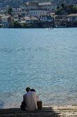 Casal no lago orta, itália — Foto Stock