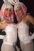 Ragazza che balla in abito di coniglietto — Foto Stock