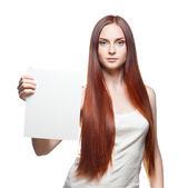 Casual kıyafet işaret tutan kadın — Stok fotoğraf