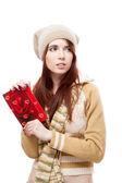 Carte postale de la jeune fille tenue rouge — Photo