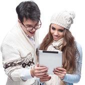 杨笑冬夫妇使用平板电脑 — 图库照片