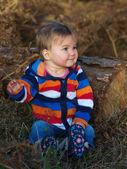 Glückliches Kind außerhalb — Stockfoto