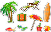 Podróży ikony, palm, piłka, salon, parasol, wiadro z łopatą, japonki i walizki — Wektor stockowy