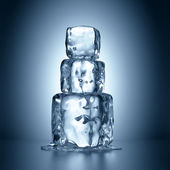 Ice cubes tower melting — 图库照片