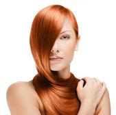 žena s dlouhé červené vlasy — Stock fotografie
