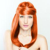 Krásná brunetka. zdravé dlouhé vlasy — Stock fotografie