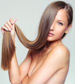 Woman with Healthy Long Hair — Стоковое фото