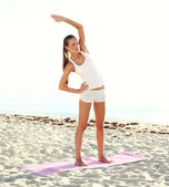 Fitness athlete doing workout — Stock Photo