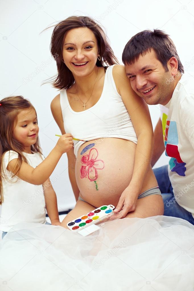 Беременная муж и ребенок