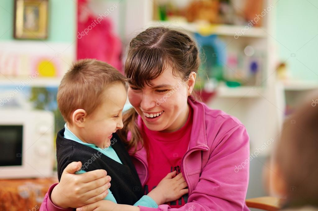 working with children with disabilities Five professions that help people with disabilities are physical therapists, occupational therapists, speech-language pathologists, clinical social workers and special education teachers.
