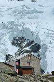Swiss Mountain Refuge — Stock Photo
