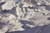 Ski tracks across a mountain landscape — Stock Photo