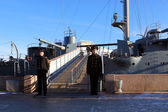"Gangway to the cruiser ""Aurora"" protected cadets, St. Petersburg, Russia — Stock Photo"