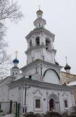 Kirche der himmelfahrt der heiligen jungfrau auf nawolok in wologda, russland — Stockfoto