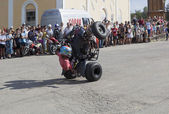 Dangerous stunt on an ATV by Thomas Kalinin — Stockfoto