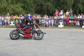 Motorcycle show in village Verkhovazhye, Vologda Region, Russia. Alexei Kalinin motorcycle accelerates — Stock Photo