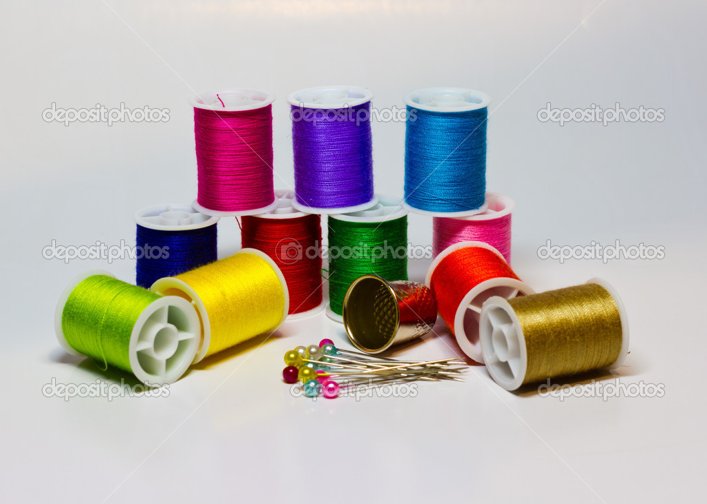 Set of thread and needles for sewing — Stock Photo #14433875