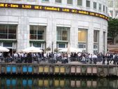 London's Financial Workforce on Friday — Stock Photo