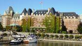 Fairmont Empress Hotel in Victoria's Inner Habour — Stock Photo