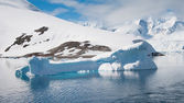 Iceberg in Lemaire channel — Stock Photo