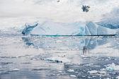 Deffirent formas de icebergs, antártida — Foto de Stock