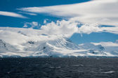 Amazing seascape in Antarctic ocean — Stock Photo