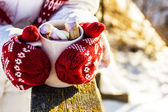 Mug with hot chocolate and marshmallows — Photo