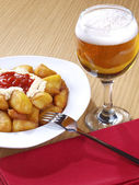 Patatas Bravas - Hot spicy fried potatoes — Stock Photo