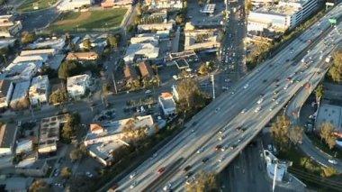 Vue aérienne de l'autoroute de los angeles, autoroute — Vidéo