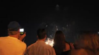 Time Lapse of Fireworks and Crowd — Stock Video